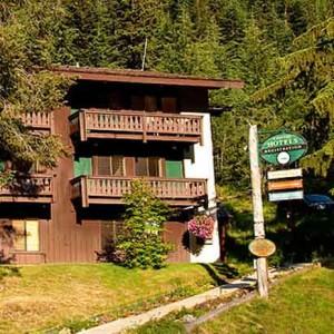 Stay at Mount Rainier, cr-kayak