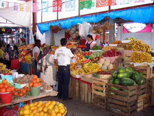 Mexican market, cr-gomexico.about.com