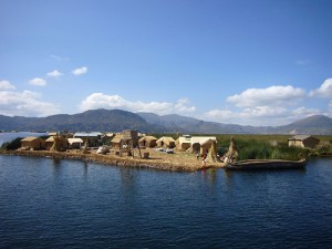 Uros Floating Islands-Crphoebettmh.blogspot.com
