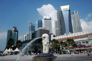 Singapore's Downtown Skyline and Merlion Credit: Jpatokal