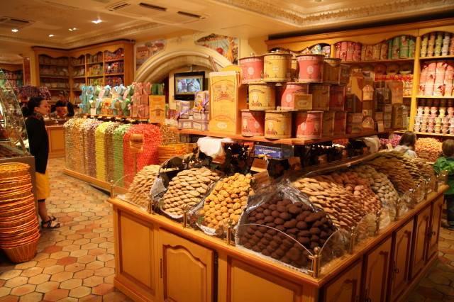 A crafty sweetshop in Pezenas - Gail Parker