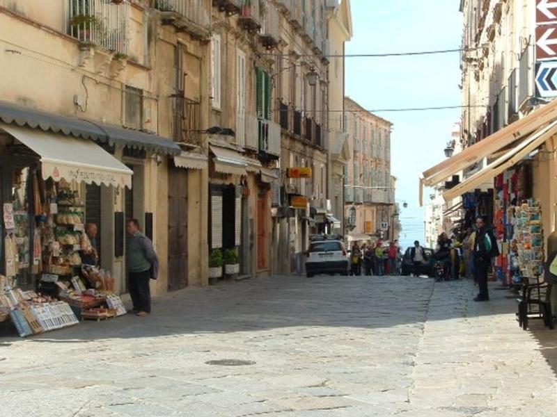 Tropea_street