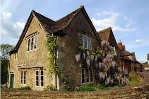 Spend a relaxing vacation in Cotswold