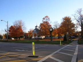 Chardon Square in the Autumn - Beth MacMillan