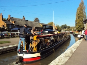Stoke Bruerne and The Boat Inn - MR