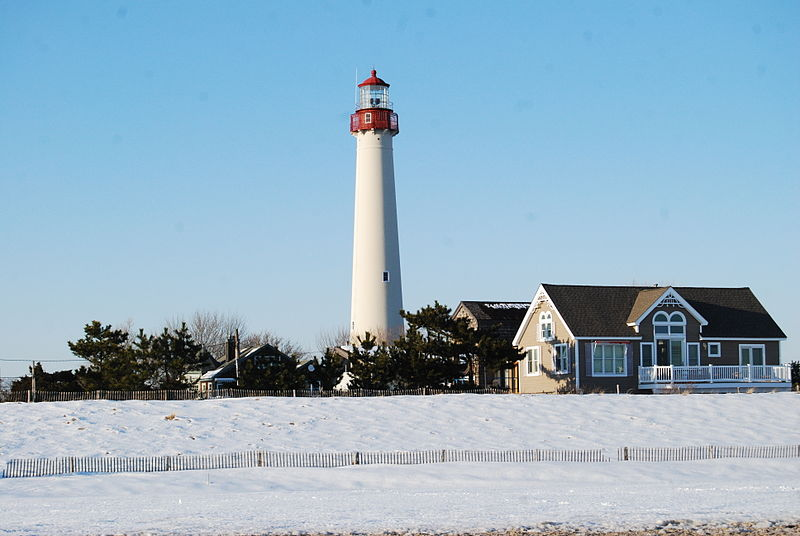 Photo of Cape May Light by Paul Lowry via Wikimedia Commons