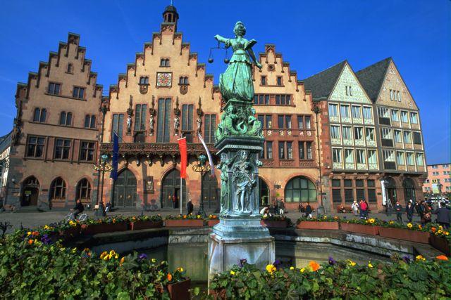 Frankfurt Roman Square