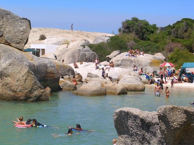 Boulders beach, cr-go2africa.com