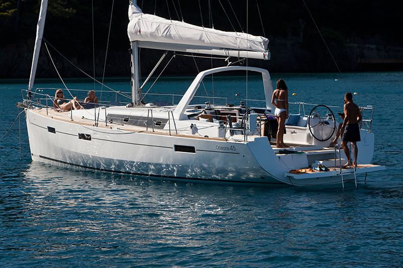 beneteau-oceanis-45-out