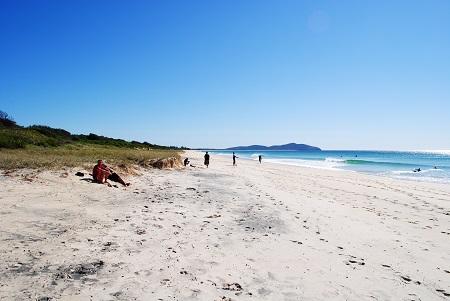 Seven Mile Beach, Cr-wikipedia