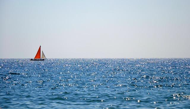 boat-482675_640